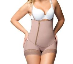 Abdominal Flattening Short Faja. Straight back cut Shapewear.