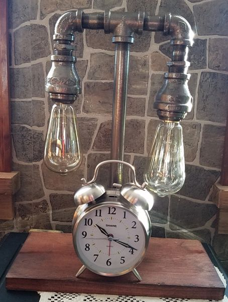 Two Tiered Edison on Oak Board with Nostalgic Clock