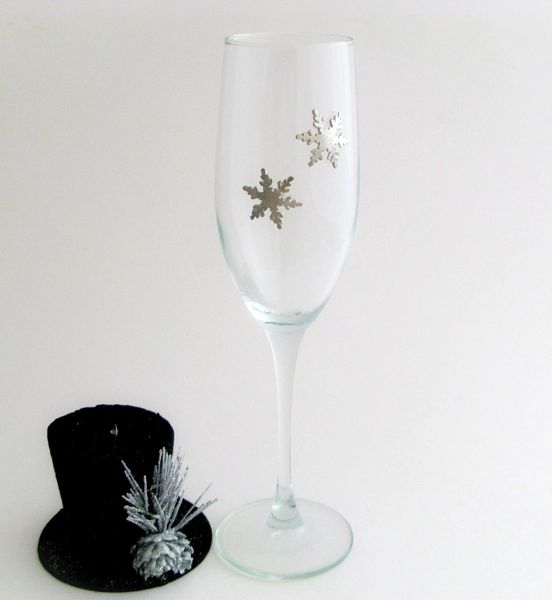 Flute Glass with Pewter Snowflakes