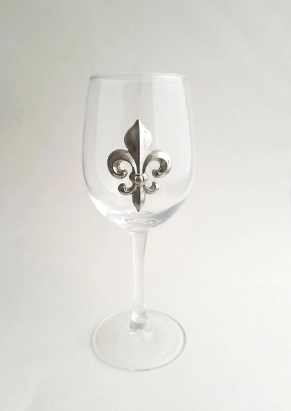 Set of 4 Wine Glasses with Pewter Fleur de Lis