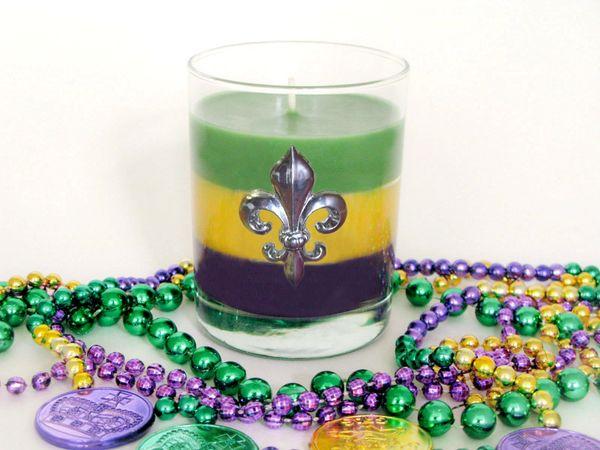 Mardi Gras Soy Candle with Pewter Fleur de Lis