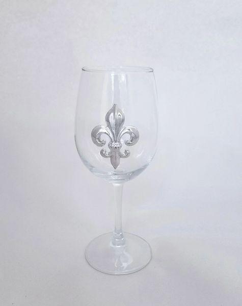 Set of 4 Wine Glasses (12 oz) with a Pewter Fleur de Lis
