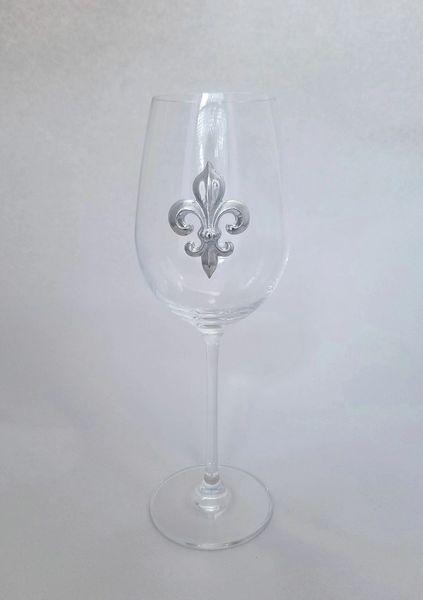 Set of 4 Wine Glasses (19 oz) with a Pewter Fleur de Lis