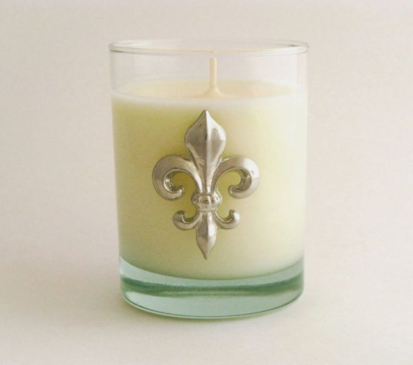 Soy Candle (14 oz.) with Pewter Fleur de Lis