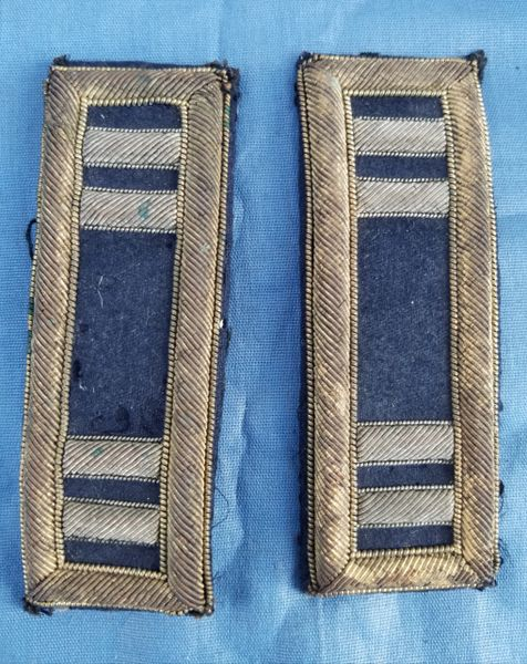 PAIR CAPTAINS SHOULDER STRAPS