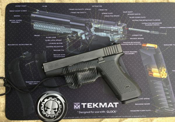 Glock 17 9mm Pistol 3d Cut-away Tekmat