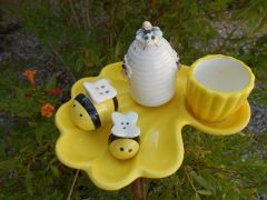 **SOLD ** Buzy Bee Hive