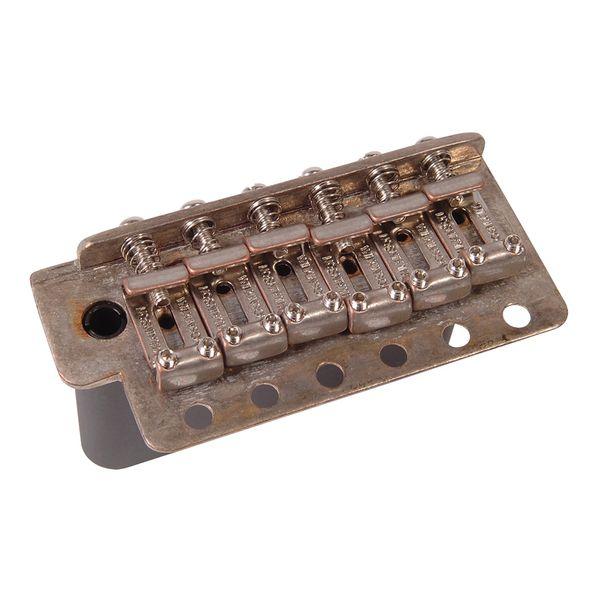Wilkinson 6 Ccrew Classic Vibrato ~ Chrome Distressed