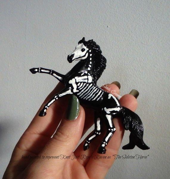Painted Raven The Skeleton Horse Model- #1d