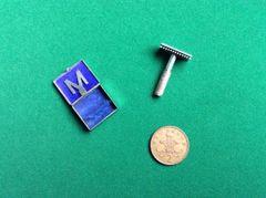 021 - Miniature Ladies Razor