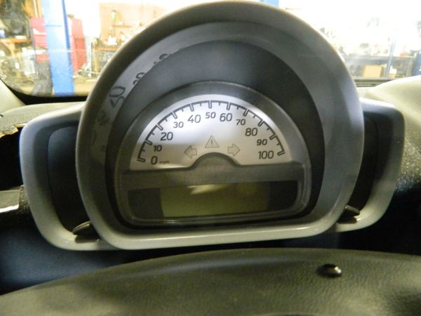 SPEEDOMETER CLUSTER FOR 2008 SMART FORTWO