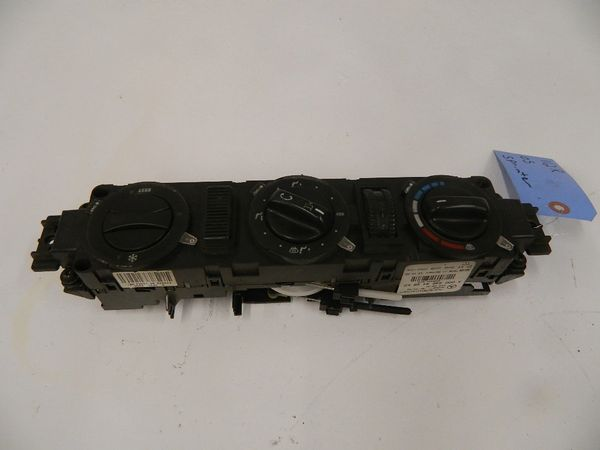 AIR CONDITION-HEAT CONTROL UNIT FOR 2002-2006 DODGE SPRINTER
