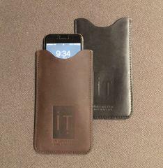 Leather smartphone sleeve