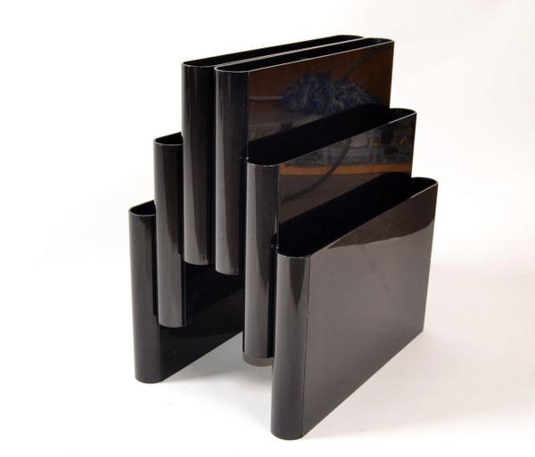 Giotto Stoppino by Kartell Italy Mid-Century Modern Black Plastic Magazine Rack