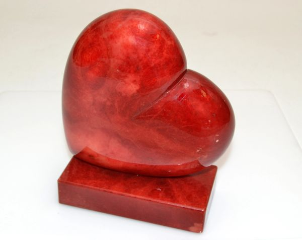 Vintage Italian Genuine Hand Carved Red Heart Alabaster Table Sculpture Bookend