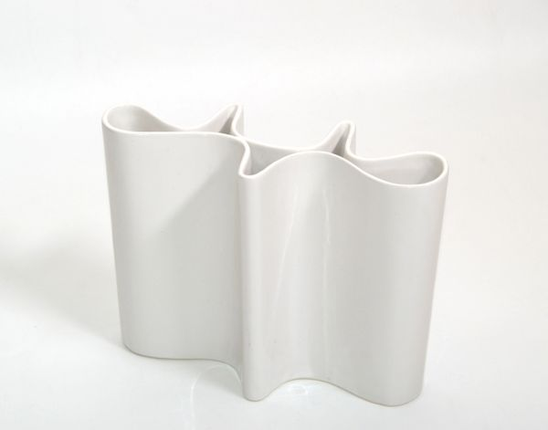 Iittala Style White Glazed Ceramic Sculptural Flower Vase Mid-Century Modern 80s