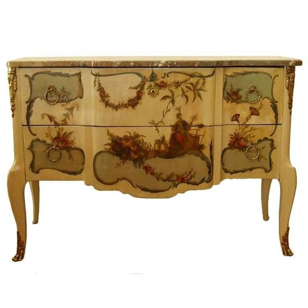 Early 20th Century French Commode