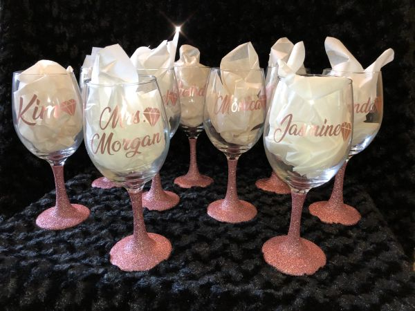 Customized Glitter Wine Glasses