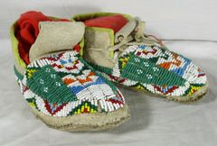 1920's Fully Beaded Sioux Child Moccsins