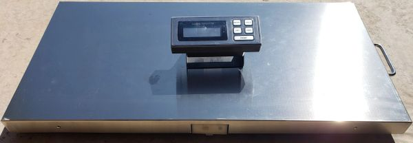 BLUETOOTH WIRELESS SCALE 700 LB 44X22 IN