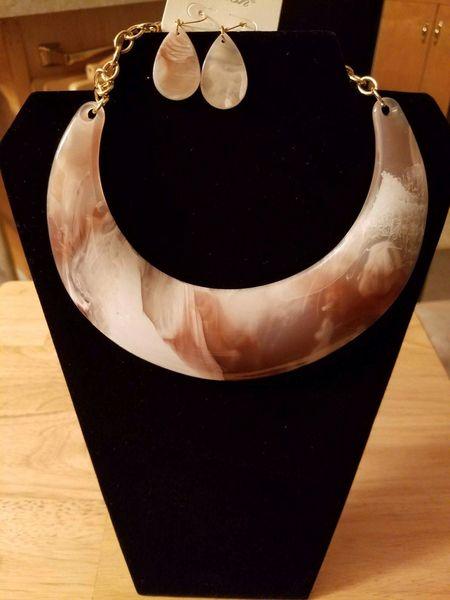 Carmel Swirl Arcrylic Sets
