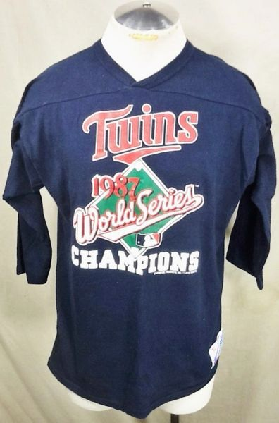 "Vintage 1987 Champion Minnesota Twins Baseball (Large/XL) Retro MLB ""World Series Champions"" Raglan T-Shirt"