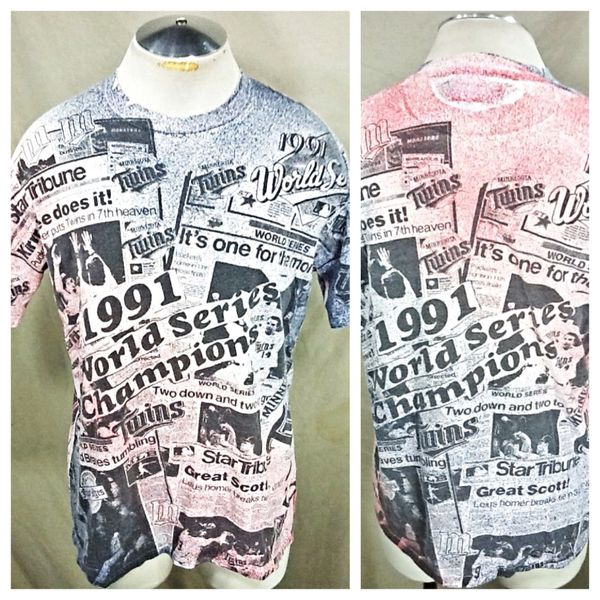"Vintage 1991 Minnesota Twins ""Newspaper Clippings"" (Large) Retro MLB World Series Graphic T-Shirt"