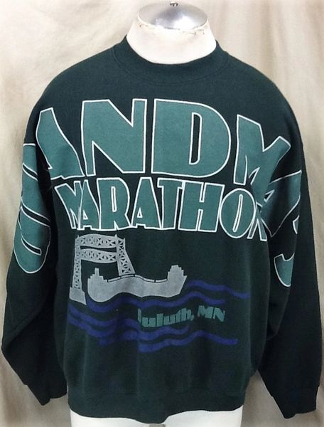 "Vintage 90's Minnesota Duluth ""Grandmas Marathon"" (XL) Retro All Over Graphic Crew Neck Sweatshirt"