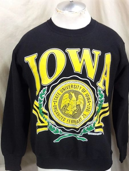 Vintage 1990 Nutmeg University of Iowa Hawkeyes (Med) Retro NCAA Pullover Graphic Sweatshirt Black