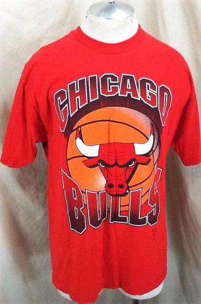 Vintage 90's Logo 7 Chicago Bulls (XL) Retro NBA Basketball Club Graphic Red T-Shirt