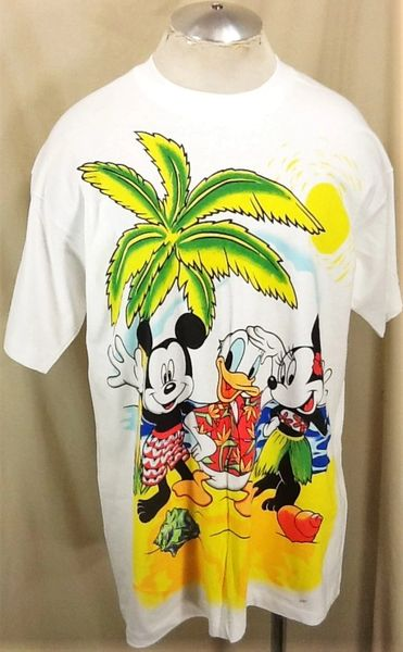 "Vintage 90's Disney's Mickey Mouse ""Beach Mickey"" (XL) Retro Cartoon Icon Graphic T-Shirt"