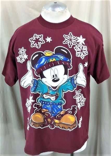 "Vintage 90's Disney Mickey Mouse ""Winter Mickey"" (Large) Retro Graphic Cartoon T-Shirt"