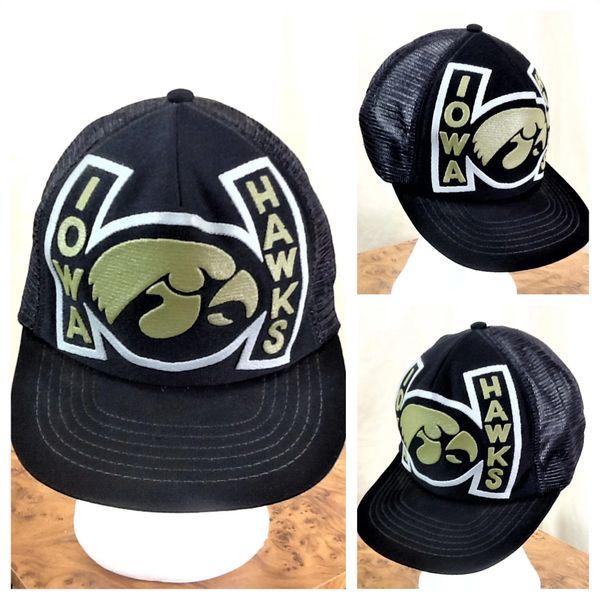 Vintage 90's University of Iowa Hawkeyes Retro NCAA Graphic Snap Back Trucker Hat Black