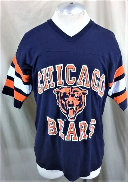 Vintage 90's Logo 7 Chicago Bears Football Club (Large) Retro NFL Classic Logo Graphic Shirt