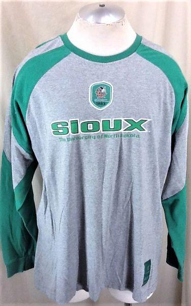 Colosseum North Dakota Fighting Sioux (2XL) Retro NCAA Old Logo Long Sleeve Dri-Fit Athletic Shirt