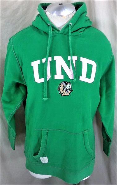CI Sport North Dakota Fighting Sioux (Med/Large) Retro NCAA Old Logo Pullover Hooded Sweatshirt