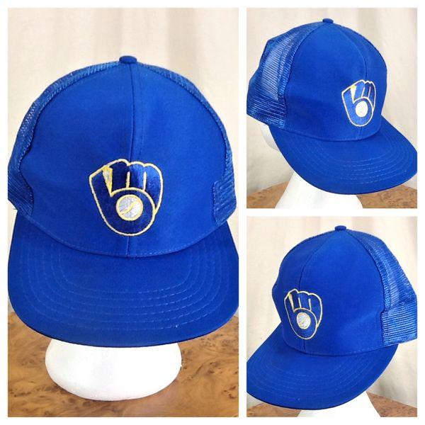Vintage 1980's Milwaukee Brewers MLB Baseball Retro Graphic Snap Back Trucker Hat