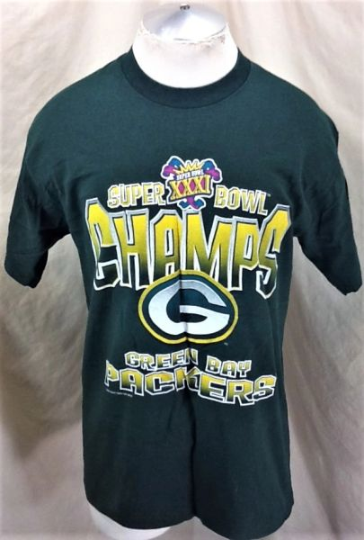 Vintage 1997 Green Bay Packers (Large) Retro NFL Football Super Bowl Champions Graphic T-Shirt