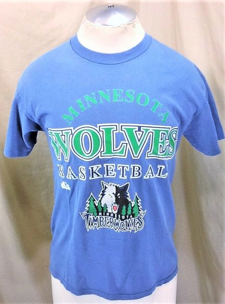 Vintage Minnesota Timberwolves (Medium) Retro Wolves NBA Basketball Graphic T-Shirt