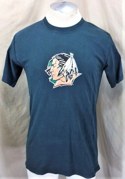 North Dakota Fighting Sioux (Med) Retro NCAA Old Logo Graphic T-Shirt Brown