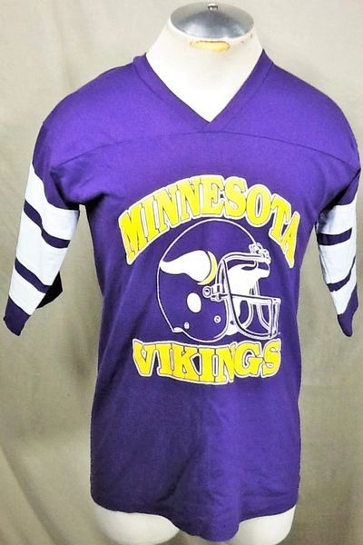 52178fd7 Vintage Logo 7 Minnesota Vikings (Large) Retro NFL Football Graphic T-Shirt