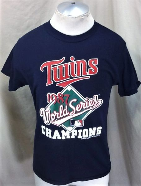 "Vintage 1987 Minnesota Twins Baseball Club (Med) Retro MLB ""World Series Champions"" Graphic T-Shirt"