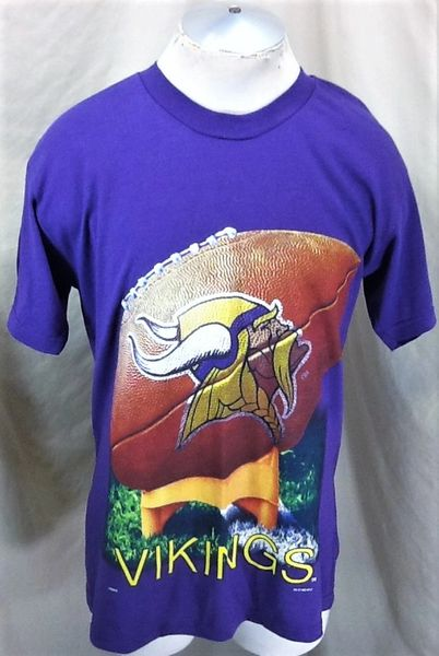 Vintage 1996 Minnesota Vikings Football Club (Med) Retro NFL Graphic Purple T-Shirt