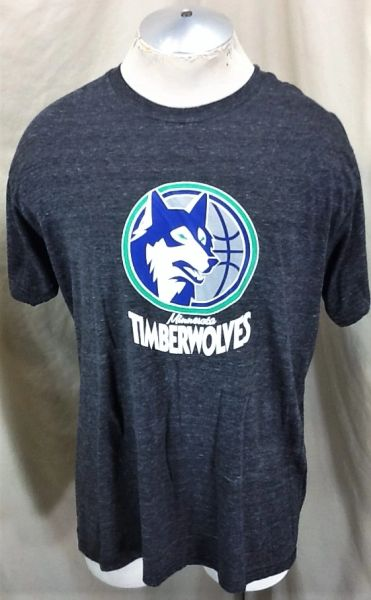 Retro Minnesota Timberwolves Classic Logo (XL) Retro Wolves NBA Basketball Graphic T-Shirt