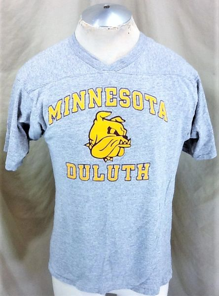 Vintage 90's Champion Minnesota Duluth Bulldogs (Med/Large) Retro NCAA Classic Logo Graphic T-Shirt