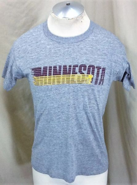 Vintage 1980's Sneakers Minnesota Gophers (Med/Large) Retro NCAA Single Stitch Rayon Graphic T-Shirt
