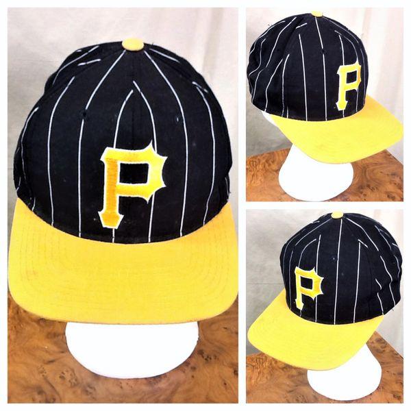 Vintage 90's Starter Pittsburgh Pirates MLB Baseball Retro Pin Stripe Snap Back Hat Black