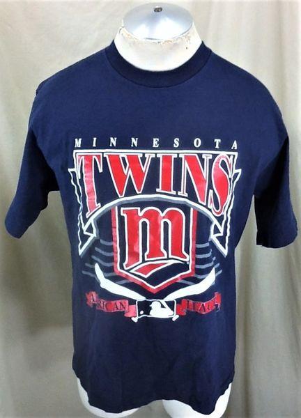 Vintage 1993 Minnesota Twins Baseball Club (Large) Retro MLB American League Graphic T-Shirt