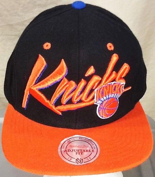 Mitchell & Ness New York Knicks Basketball Club Retro NBA Embroidered Snap Back Hat