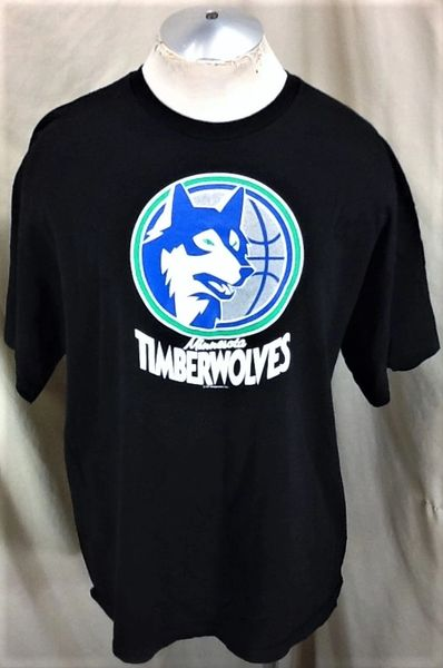 Hardwood Classics Minnesota Timberwolves (2XL) Retro NBA Basketball Wolves Graphic T-Shirt